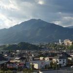 長野県飯田市内と風越山